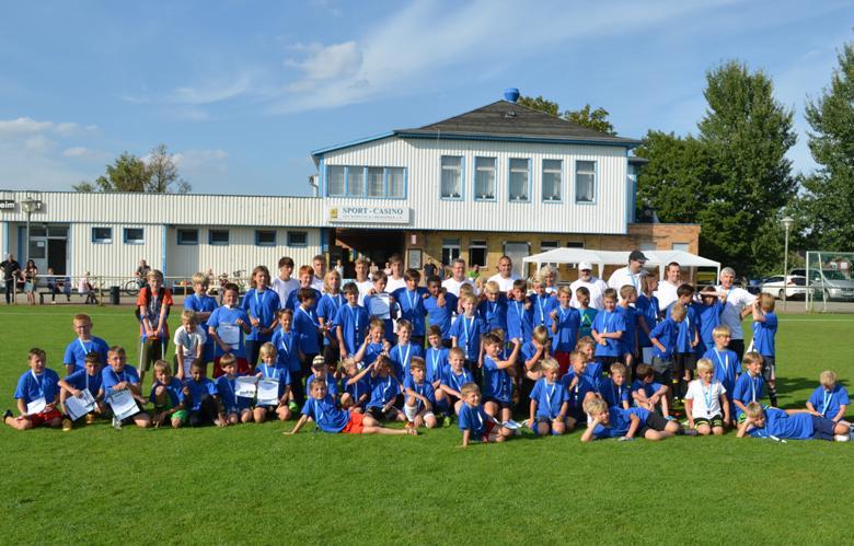 Gruppenbild vom Fußballcamp 2016
